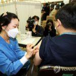 コロナワクチン先行接種した人たちの副作用がガチでヤバいことにwwwwwwww