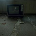 「廃墟で深夜2時から一人でホラー映画見たら1000万円」←やる?
